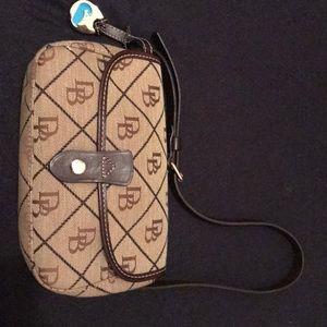 NWOT Dooney & Bourke small bag
